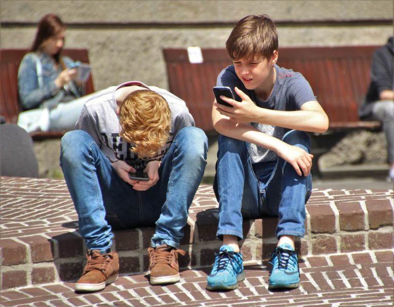 Διαδίκτυο και θωράκιση των εφήβων