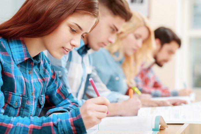 Πανελλήνιες 2021 Ειδικά Μαθήματα : Τα θέματα στις ξένες γλώσσες